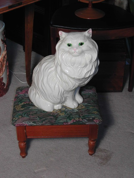 An Adorable & Large Vintage Ceramic Persian Cat Figurine