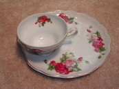 Adorable Victorian Sandwich Tray & Tea Cup Roses