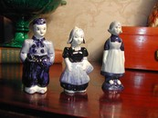 A Set of Vintage Delfts Holland Figural Salt & Peppers